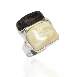 AMBER & WENGE, SQUARE SILVER RING