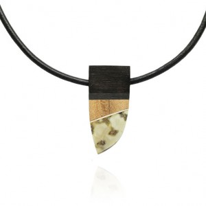 SHARP RAW AMBER & MIX WOOD MEN'S NECKLACE