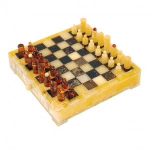 BALTIC AMBER CHESS SET