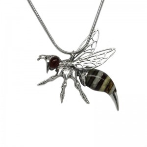 LARGE BEE AMBER SILVER PENDANT